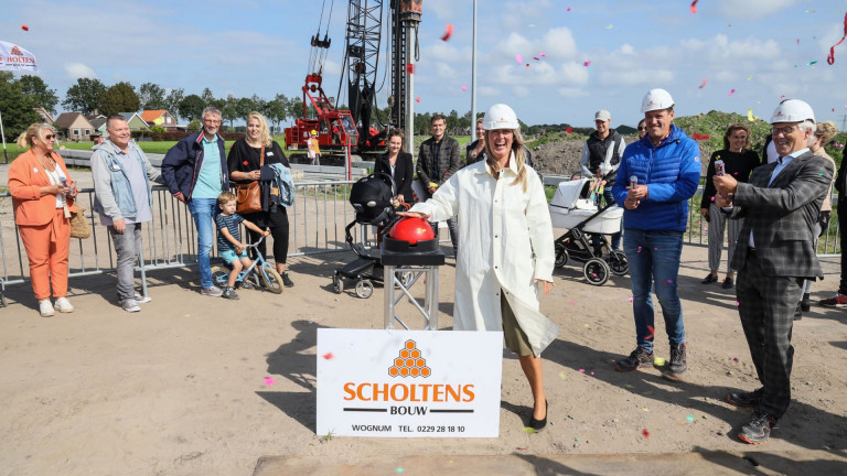 Officiële 1e paal Spierdijk
